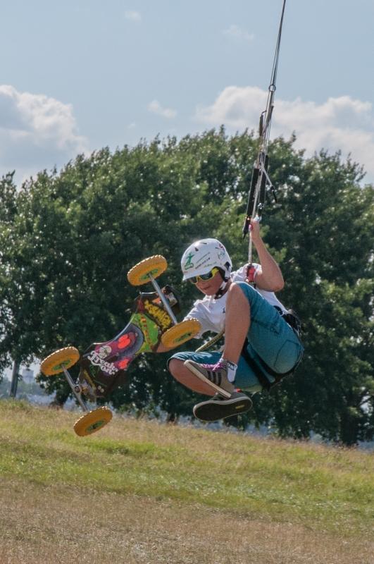 kite-100